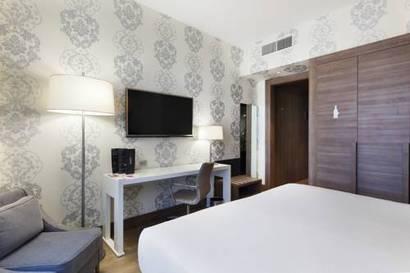 Habitación doble Premium del hotel NH Collection Milano President. Foto 3