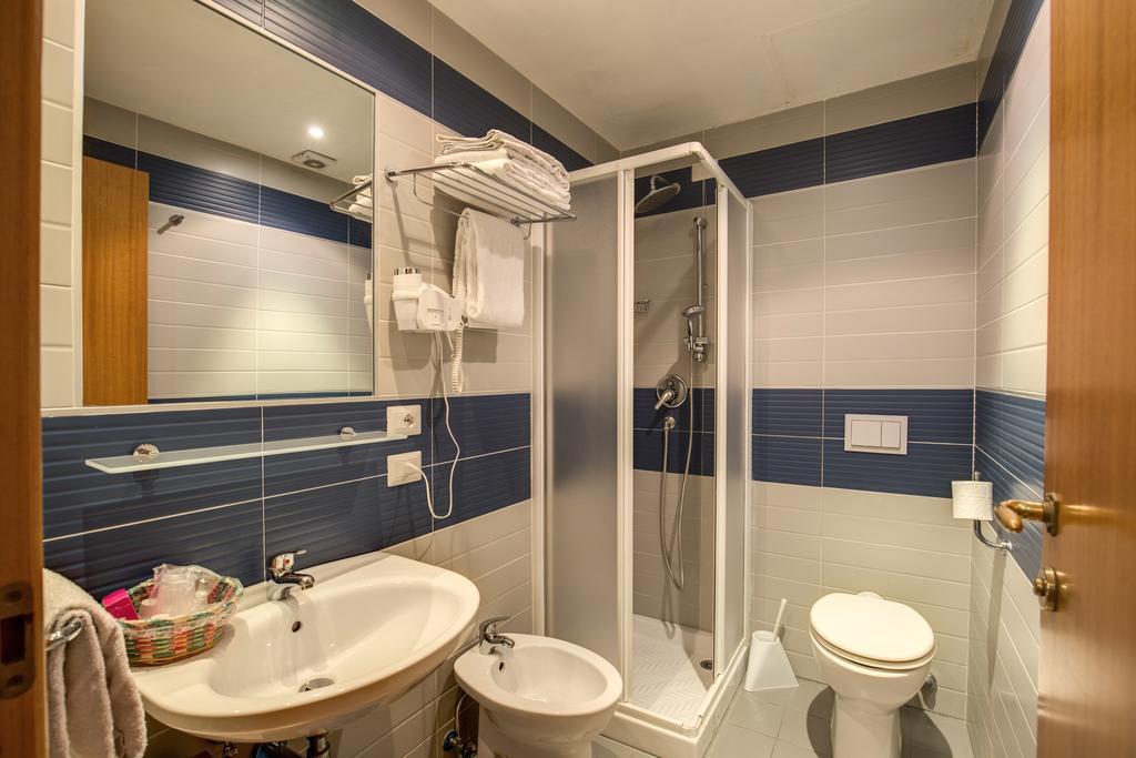 Habitación individual  del hotel San Remo. Foto 1