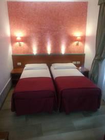 Habitación doble dos camas separadas del hotel Center 1-2