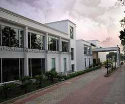 Hotel Country Inn and Suites By Carlson Delhi Satbari