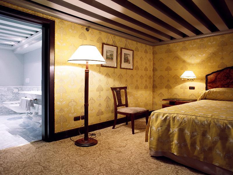 Casa Nova Room del hotel Bauer Palazzo. Foto 1