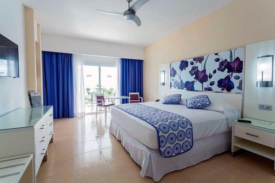 Hotel riu playacar barat simo for Habitacion familiar riu playa blanca