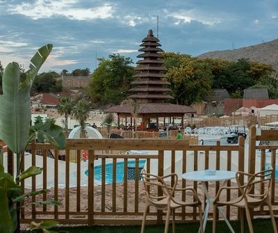 Polynesian Supreme Pool Club del hotel Magic Natura Animal, Waterpark & Polynesian Lodge Resort. Foto 3