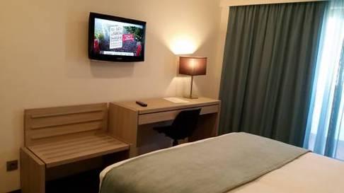 Habitación doble Ejecutiva del hotel Vip Executive Zurique. Foto 1