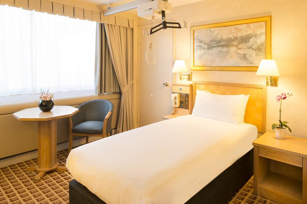 Habitación doble Accesible del hotel Copthorne Tara Hotel London Kensington. Foto 2