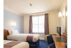 Habitación doble dos camas separadas del hotel Travelodge Kings Cross Royal Scot