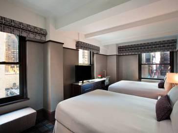 Habitación doble dos camas separadas Premier Esquinera del hotel Park Central New York. Foto 1