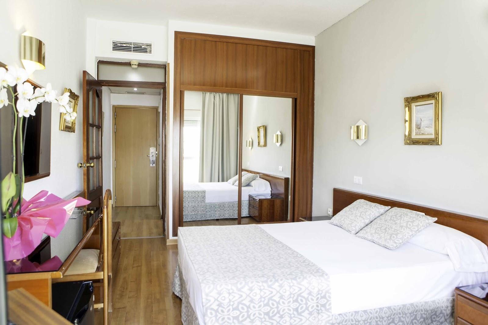 Habitación doble  del hotel Soho Bahia Malaga. Foto 2