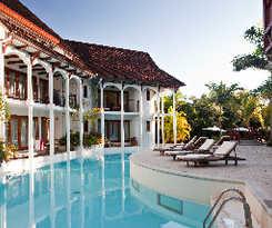 Hotel Le Saint Alexis Hotel Y Spa