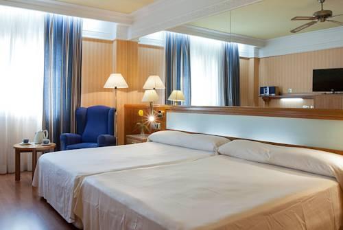 Habitación familiar  del hotel Senator Gran Via 70