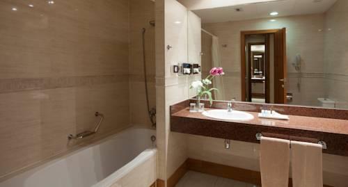 Habitación doble dos camas separadas del hotel Senator Gran Via 70. Foto 1