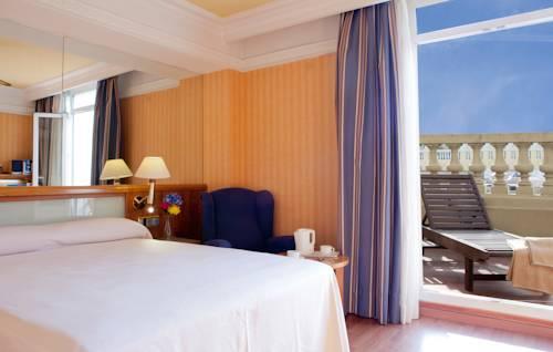 Habitación Terraza del hotel Senator Gran Via 70. Foto 1