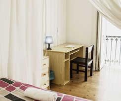 Locals Hostel and Suites