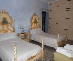 Hotel Hostal Crucica