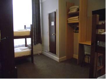 Habitación familiar  del hotel Lords. Foto 2