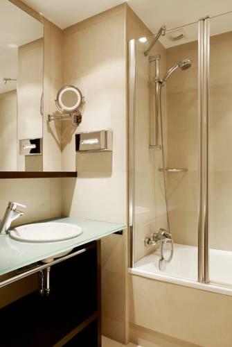 Habitación doble Superior dos camas separadas del hotel NH Brussels Louise
