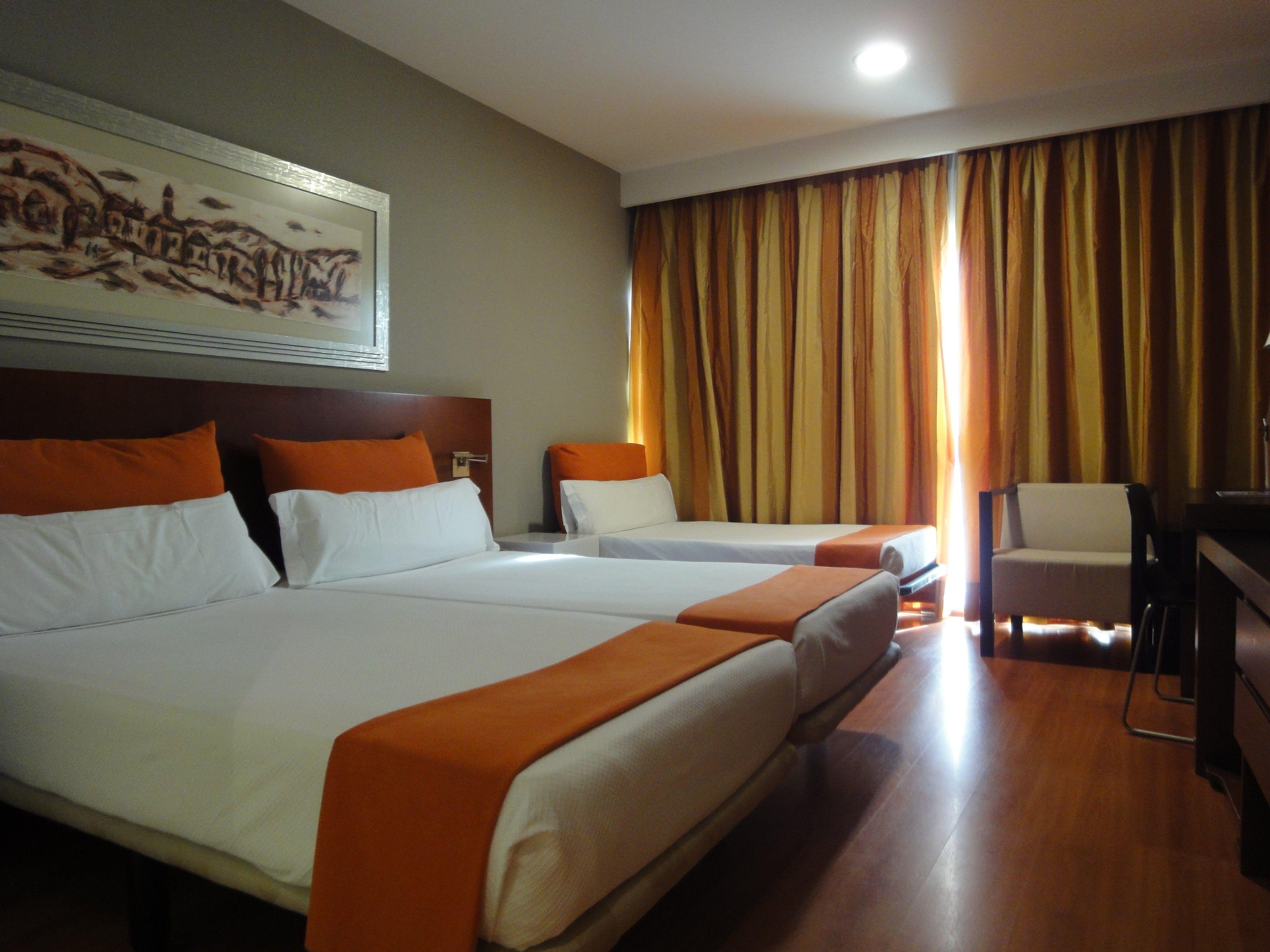 Doble Standard con cama supletoria del hotel Eurohotel Barcelona Gran Via Fira