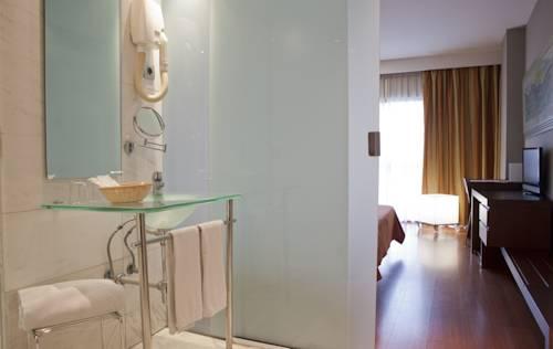 Petit Terrace del hotel Eurohotel Barcelona Gran Via Fira. Foto 1