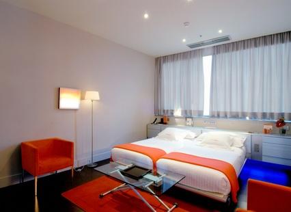 Habitación doble dos camas separadas del hotel Fira Congress. Foto 1