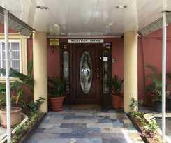 Hotel InnFlight Suites