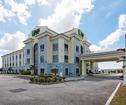 Hotel Holiday Inn Express Suites Trincity