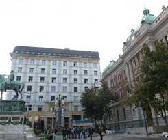 "Hotel Five Points Square €"" City Center"