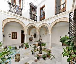 Apartamentos URBAN VIDA ALCAZAR