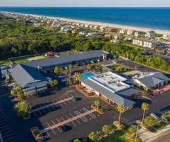 Hotel Days Inn and Suites Amelia Island At The Beach