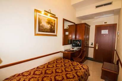 Habitación individual  del hotel Palladium Palace. Foto 3