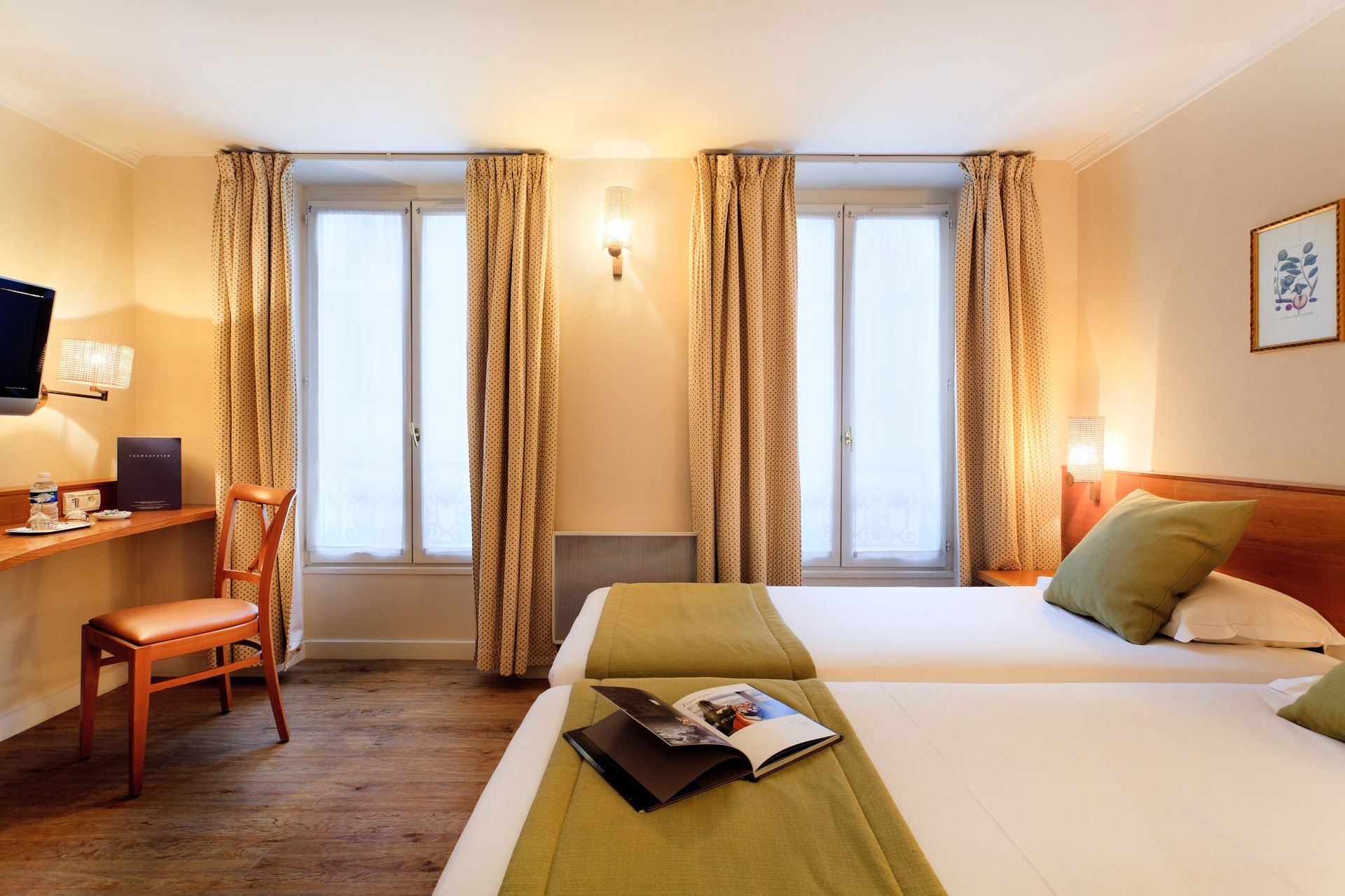 Superior Twin room del hotel Axel Opéra by Happyculture