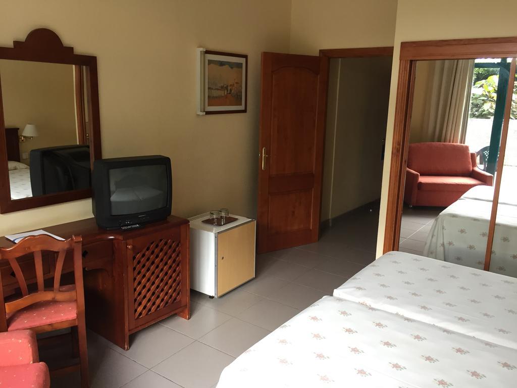 Habitación doble Económica Planta Baja del hotel Turquesa Playa. Foto 2