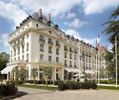 Hotel Trianon Palace Versailles, Waldorf Astoria Collect
