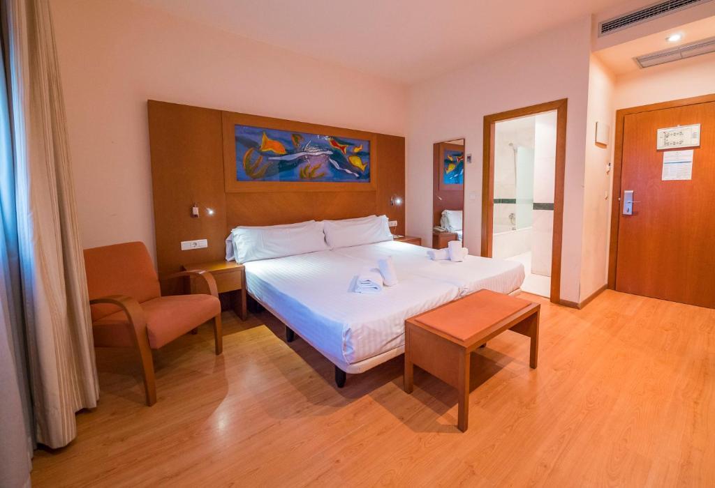 Habitación individual Interior Económica del hotel Checkin Valencia