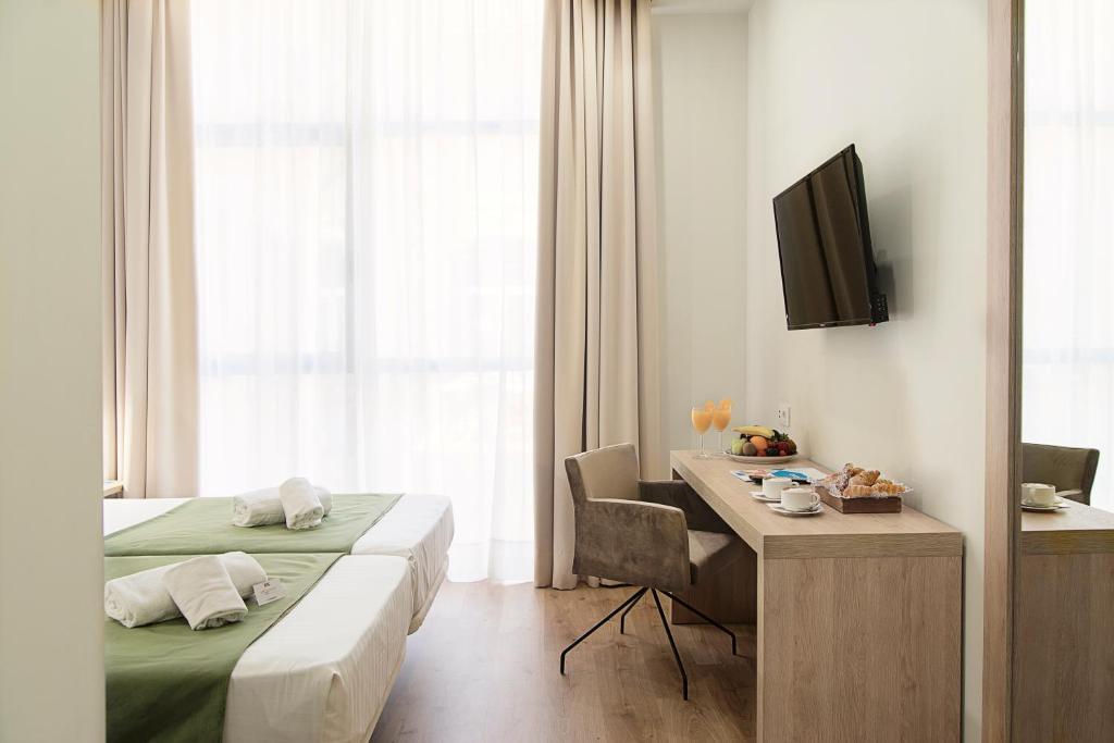 Junior suite  del hotel Checkin Valencia. Foto 1