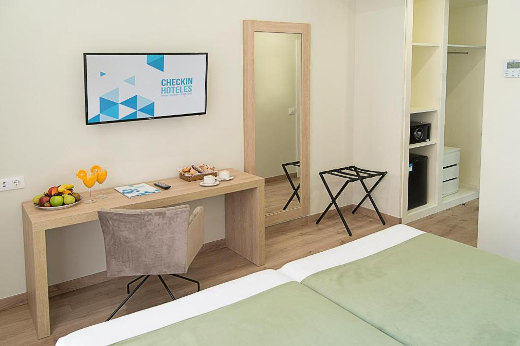 Junior suite  del hotel Checkin Valencia. Foto 2