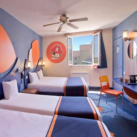 Habitación Familar hasta 10 personas del hotel Explorers at Disneyland París. Foto 1