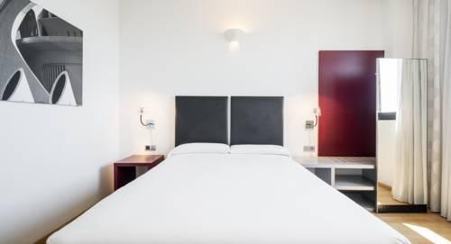 Habitación doble  del hotel Ilunion Aqua 3. Foto 1