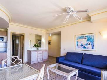 Apartamento 2 dormitorios  del hotel Bluebay Beach Club. Foto 1