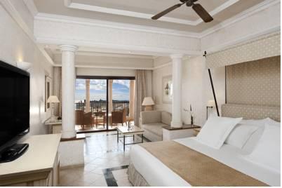 Hotel melia villaitana barat simo for Hotel habitacion familiar valencia