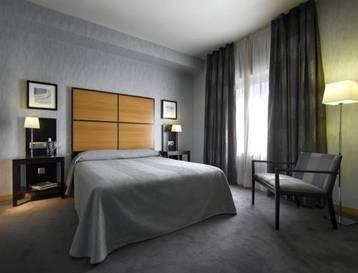 Habitación doble  del hotel Macia Real de la Alhambra. Foto 2