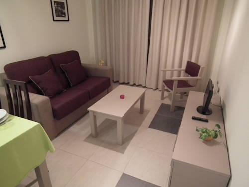 Estudio Vista Piscina del hotel Marina Rey. Foto 1