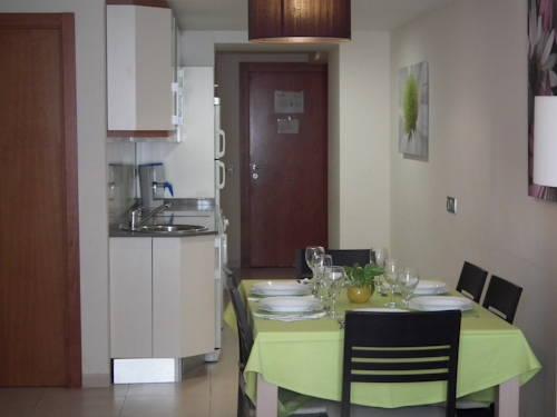 Apartamento 3 dormitorios Vista Piscina del hotel Marina Rey. Foto 2