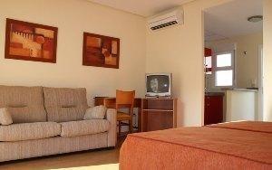 Estudio  del hotel Vista de Rey. Foto 2
