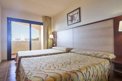 Habitación doble dos camas separadas del hotel Best Alcazar. Foto 2
