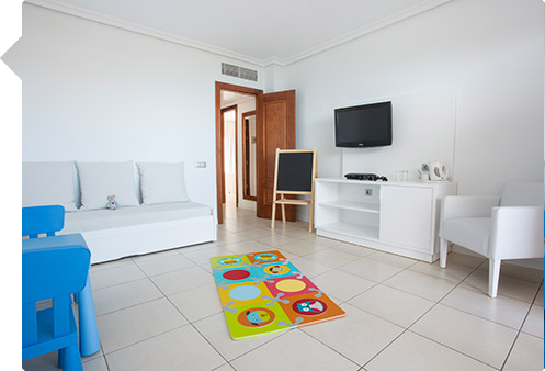 Hotel be live family costa los gigantes barat simo for Habitacion familiar tenerife
