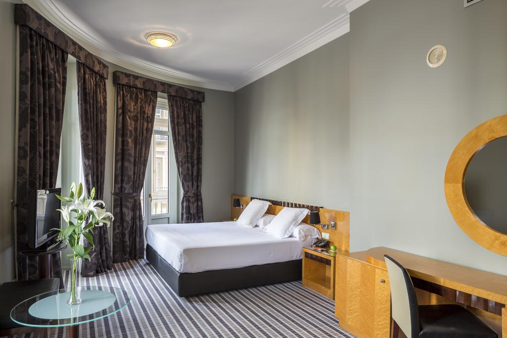 Junior suite  del hotel Room Mate Larios. Foto 1