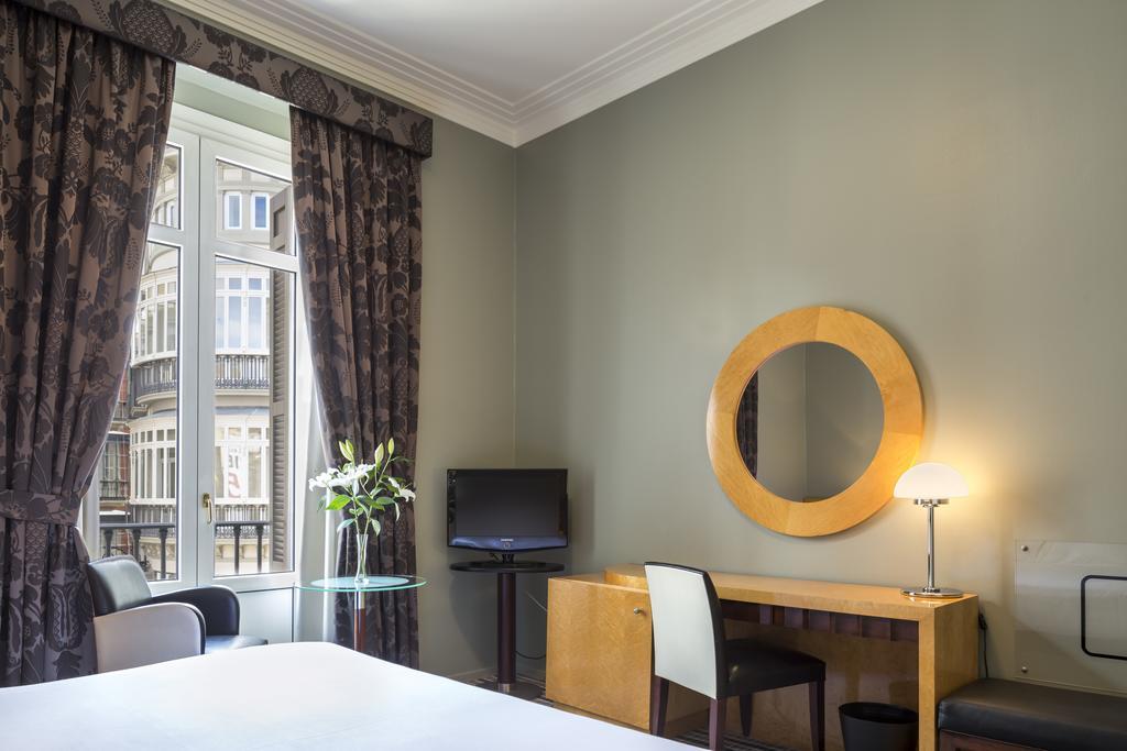 Habitación doble dos camas separadas del hotel Room Mate Larios