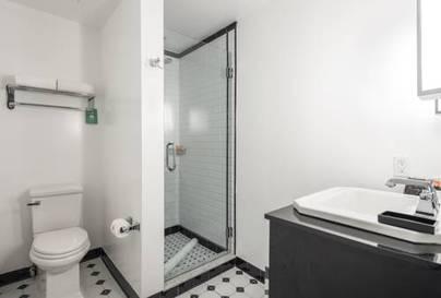 Habitación doble dos camas separadas del hotel Room Mate Grace. Foto 1