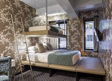Habitación triple  del hotel Room Mate Grace. Foto 1