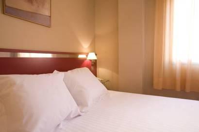 Habitación doble Terraza Superior del hotel Ascarza Badajoz. Foto 1